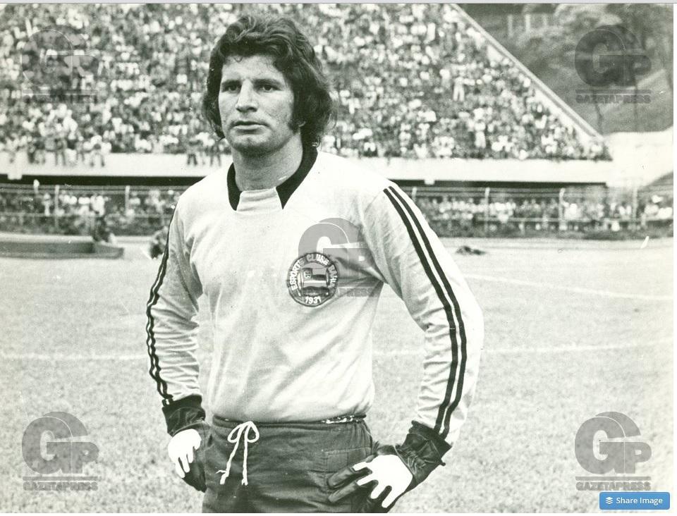 Goleiro Carlos Buttice