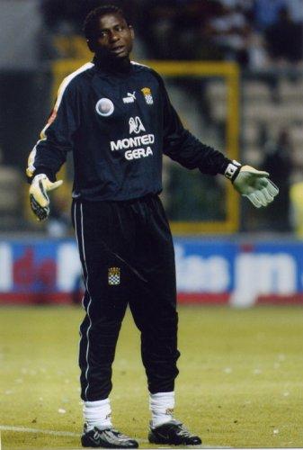 O goleiro William Andem jogando pelo Boavista, de Portugal