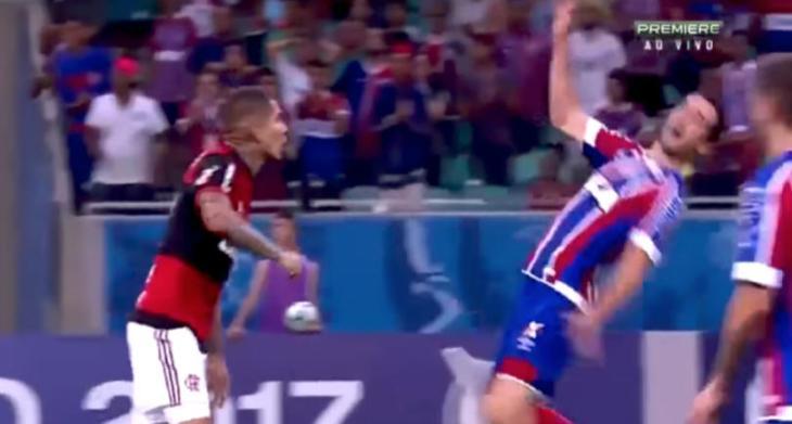 Lucas Fonseca simula agressão contra o Flamengo (Foto: Reprodução)