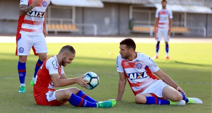 Régis ao lado de Lucas Fonseca em treino do Bahia (Foto: Felipe Oliveira / Divulgação / Bahia)