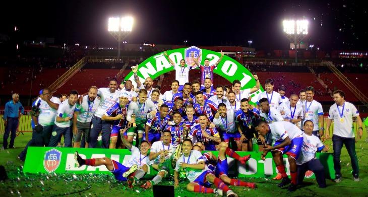 Bahia comemora o título do Campeonato Baiano de 2018 (Foto: Felipe Oliveira/Divulgação/EC Bahia)