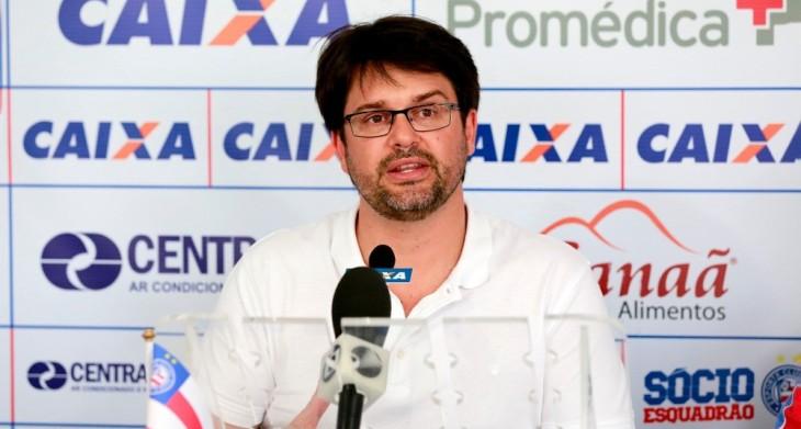 Guilherme Bellintani concede entrevista coletiva (Foto: Felipe Oliveira/Divulgação/EC Bahia)