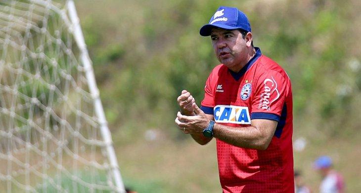 Enderson Moreira comanda treino do Bahia no Fazendão (Foto: Felipe Oliveira/Divulgação/EC Bahia)